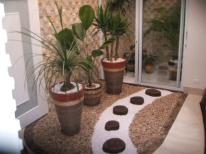 Pedras, uma boa ideia para um pequeno jardim