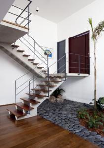 6ª - Preencher a distância abaixo da escada