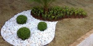 Dicas decora jardins com pedras e vasos (Foto Divulgação)